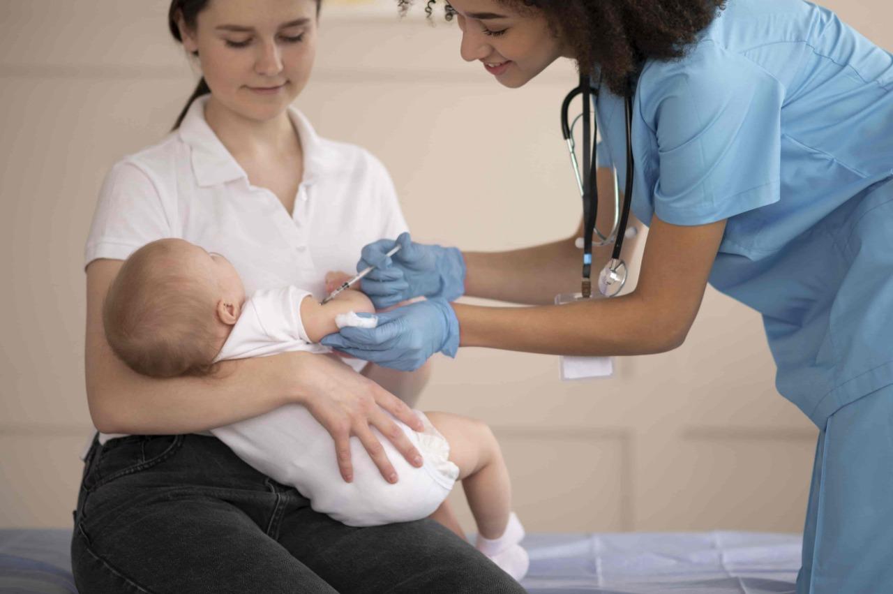 Jadwal Vaksinasi Bayi