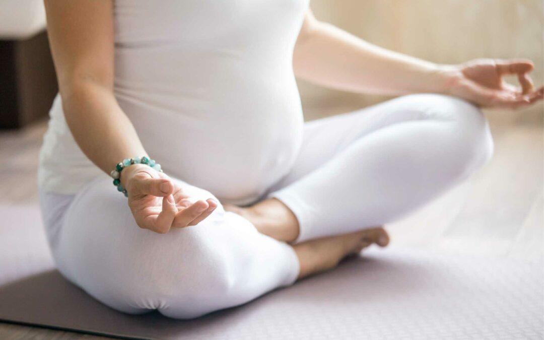 Yuk Ketahui Manfaat Prenatal Yoga Untuk Ibu Hamil!
